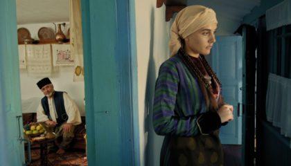 Крымская татарка давала понять сватам, нравится ей парень или нет, с помощью обуви