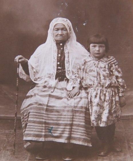 Жители Евпатории. 30-е года ХХ века Фотография из личного архива Мелии Акимовой