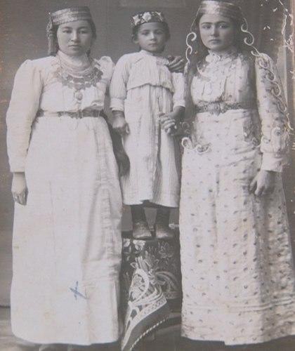 Жительницы Кезлева. 30-е года ХХ века