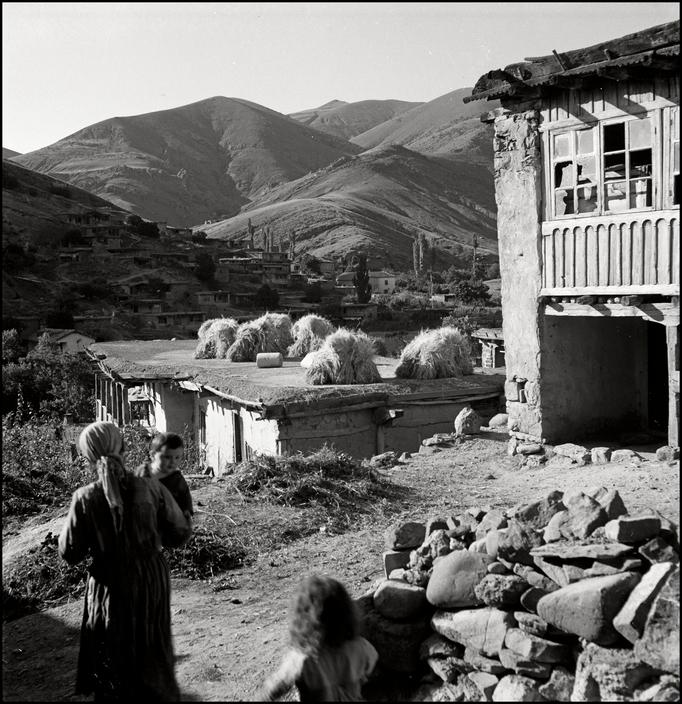 UKRAINE. Crimea. 1943. Tartan Village. L-UK-KUT-004