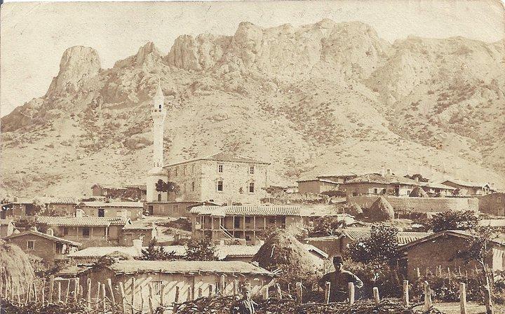 Мечеть Хаджи бей в деревне Таракташ. Любительская открытка 1907 года