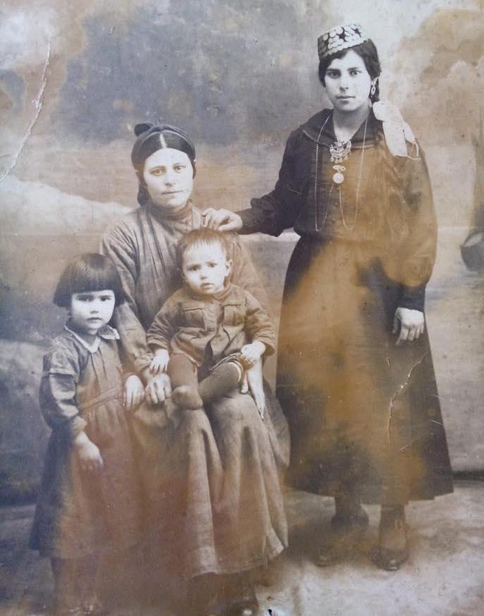 zhitelnitsa-koz-shasnie-izmajlova-s-detmi-1931-god-iz-arhiva-zarriny-vaapovoj