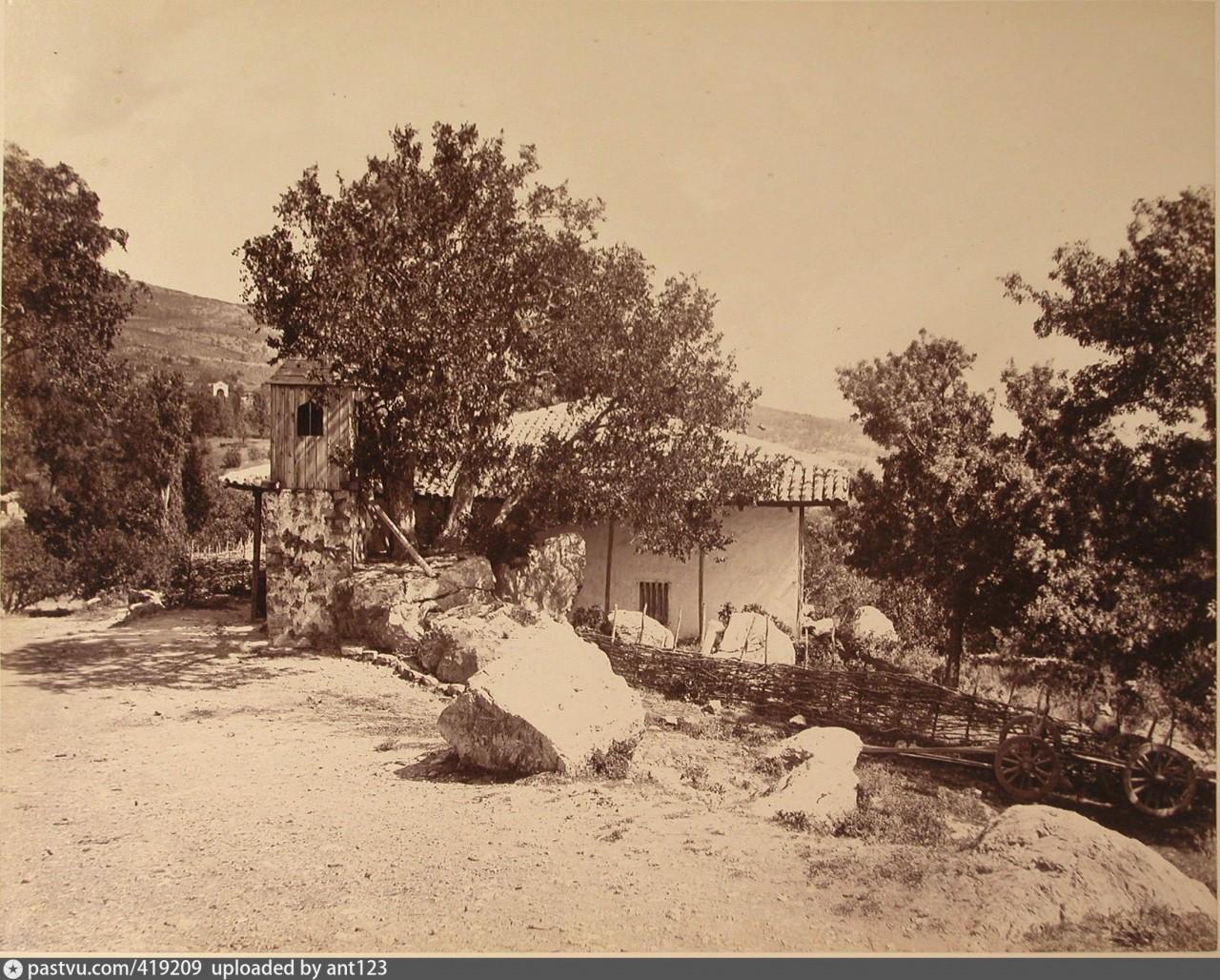 Мечеть в Симеизе. Фото сделано в период между 1865 и 1875 гг